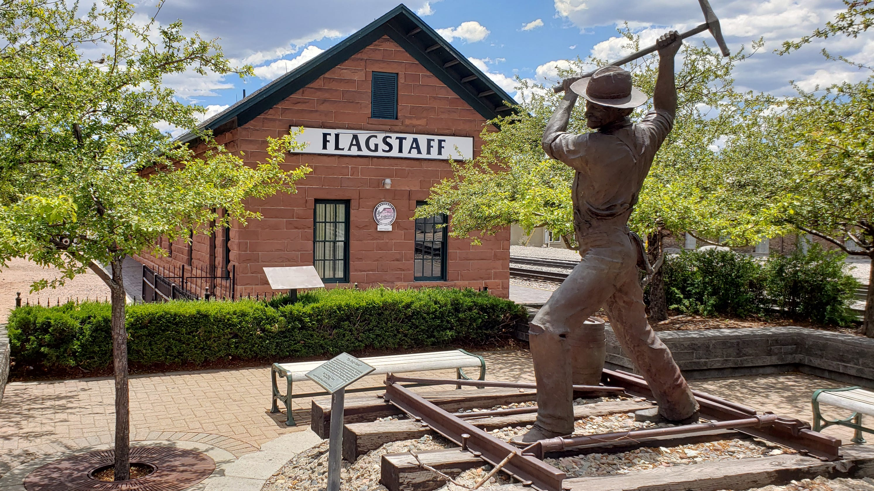 Free and cheap things to do in Flagstaff: Walking tours, murals, wildlife viewing and more
