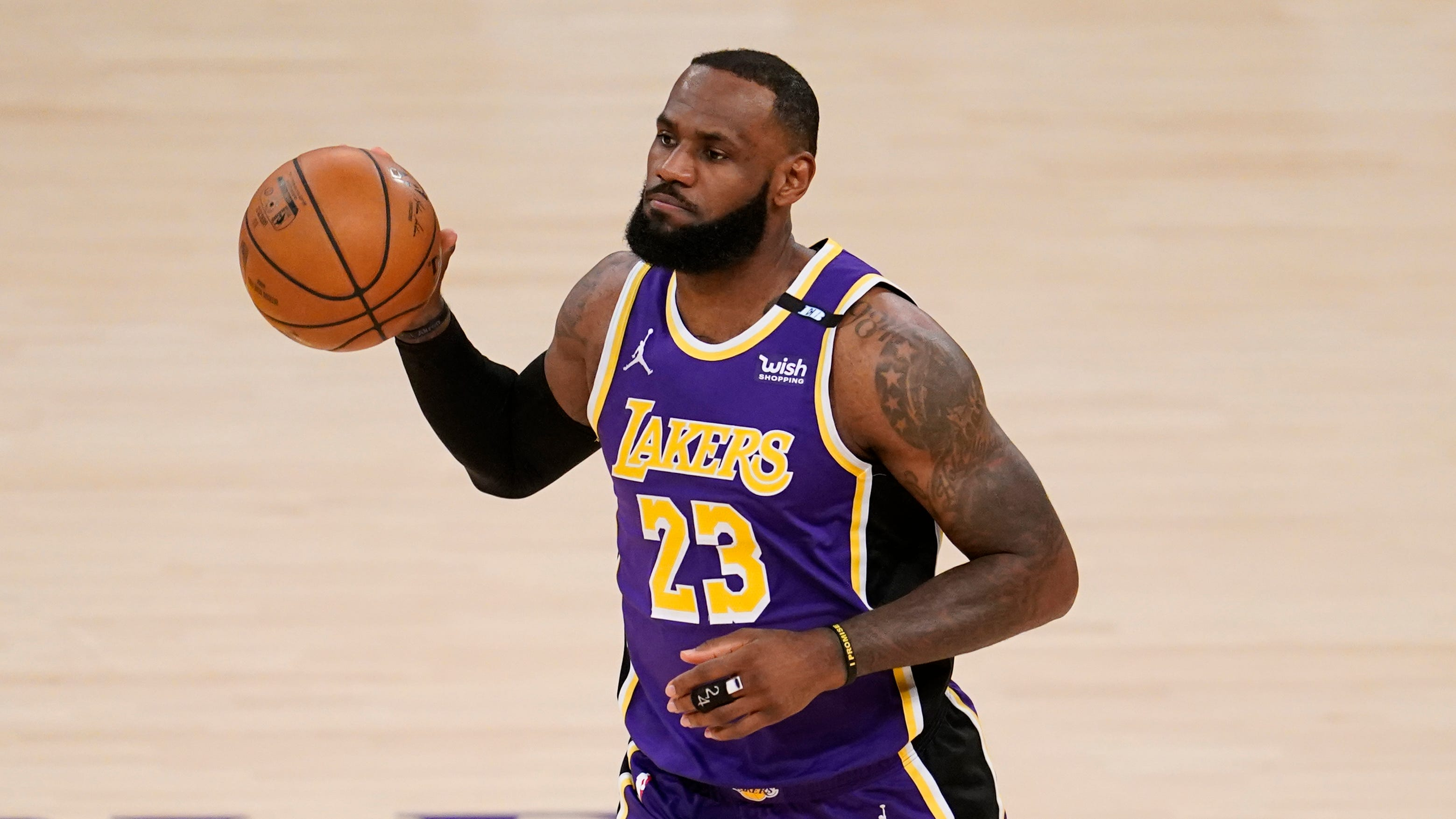 Lakers' LeBron James declines to say whether he has or plans to take COVID-19 vaccine
