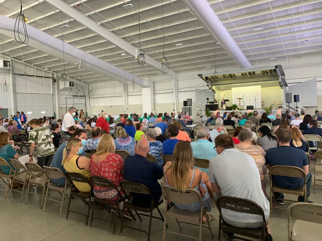 Family and friends of nearly 60 people who died over the last year attended Ohio's Hospice LifeCare 2021 Spring Memorial on Sunday at the Wayne County Fair Event Center.