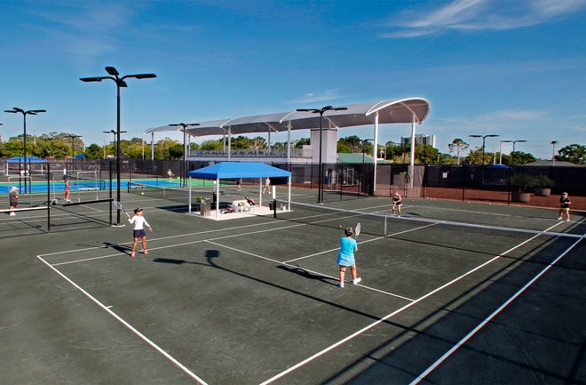 Clay Tennis Courts at the Winter Haven Tennis Complex.