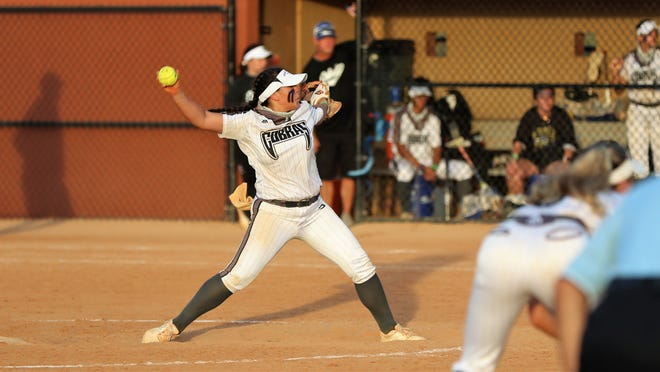 Park Vista's Rylee Kent pitches against Lakewood Ranch during the ill-fated sixth inning for the Cobras during Saturday's Class 7A state championship game in Clermont.