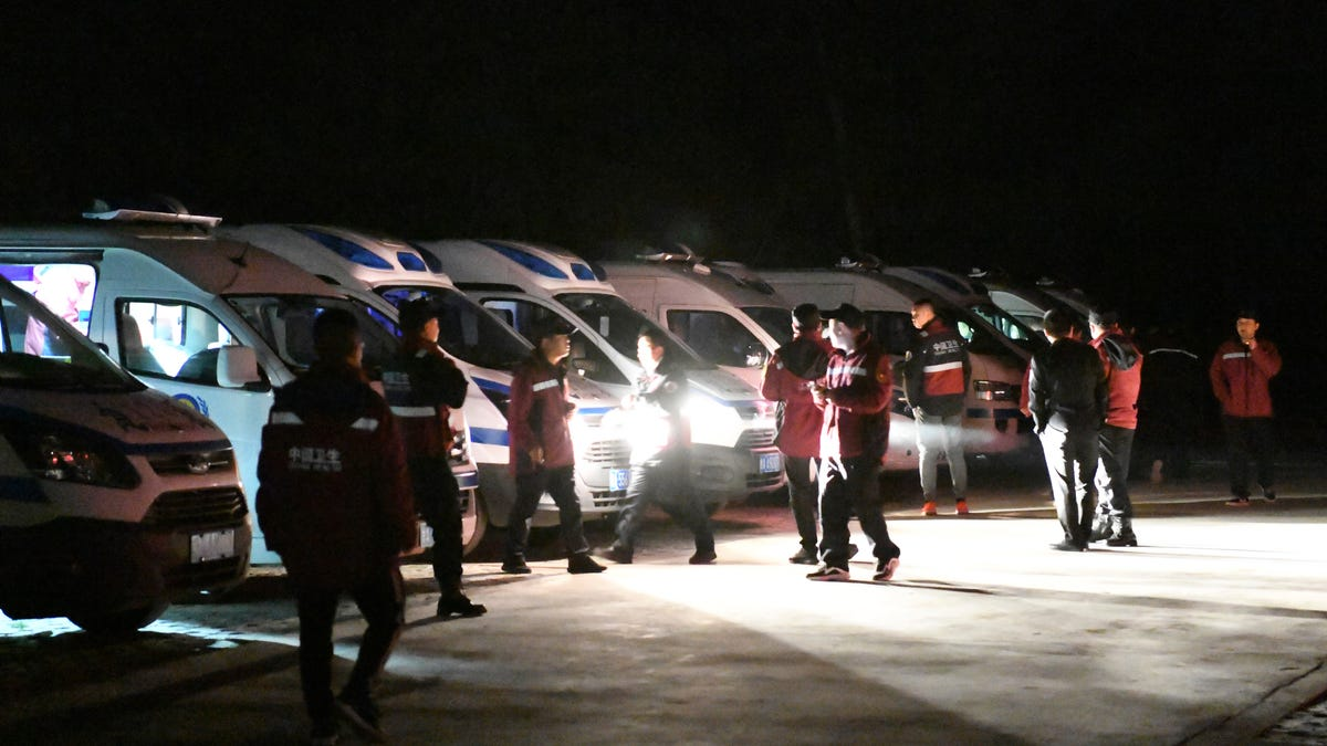 20 die in extreme weather in China cross-country race 3