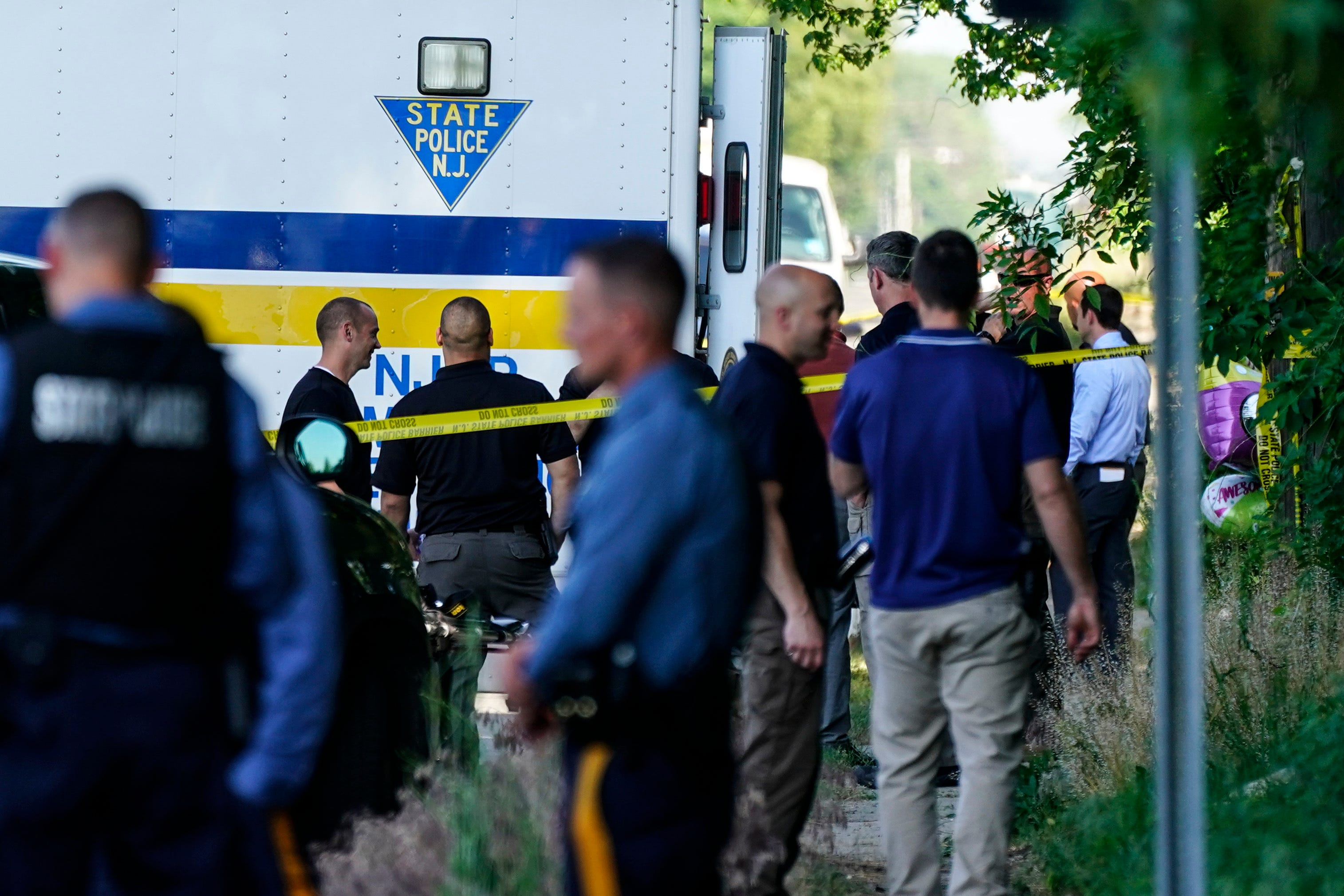 2 dead, 12 injured in shooting at New Jersey house party 2