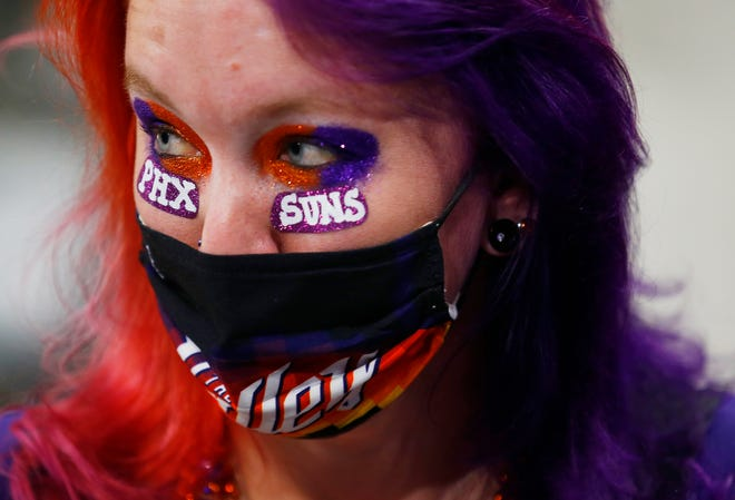 May 23, 2021; Phoenix, Arizona, USA; Veronica Philpot watches the team warm up before game 1 of the first round against the Lakers at Phoenix Rising Stadium. Patrick Breen-Arizona Republic