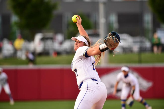 Tori Kniesche delivers a pitch Saturday night in the NCAA tournament against Stanford.