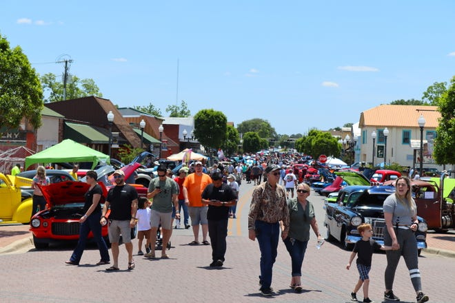 Hundreds of visitors enjoyed a flawless spring day in downtown Crestview as they enjoyed local art and classic cars.