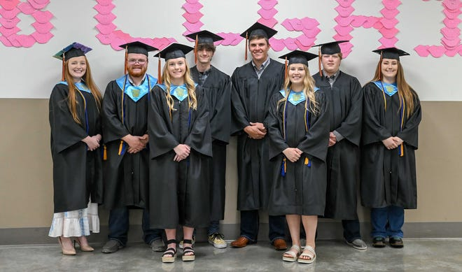 Brashear's Class of 2021 poses together. Pictured left to right: Madeline McGinnis, Trace Gottman, Callie Althide, Ian Salter, Garrett Housman, Hannah Grissom, Austin Peterson, Brieann Stewart.