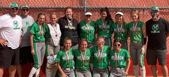 The Mendon softball team took first place at the Darmofal invite held on Saturday.