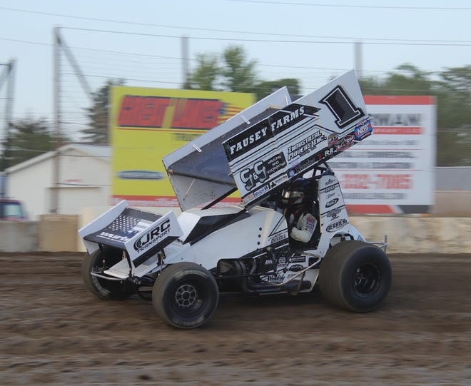 Nate Dussel earned a win in the 410 division at Fremont Speedway.