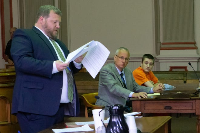Devin McKnelly prepares to plead guilty to aggravated murder in connection to the death of Jayla Wyatt.