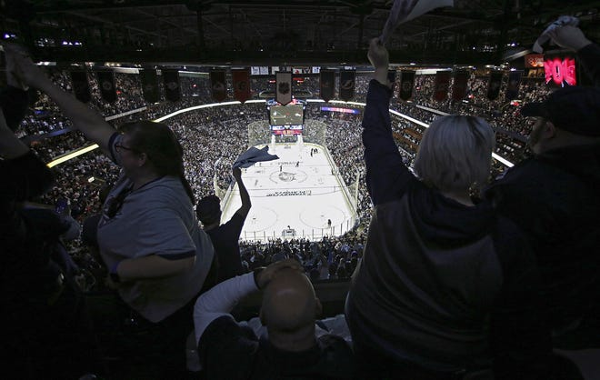 """Many in hockey believe Columbus has an image problem when it comes to retaining and attracting top players. Said former player Anson Carter, nowa studio analyst for NBCSN: """"Whoever is in charge therejusthasn't done a good enough job selling the market. That's a problem."""""""