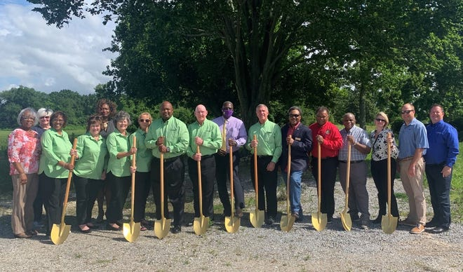 A groundbreaking ceremony was held to celebrate the upcoming Donaldsonville location of Ascension Credit Union.