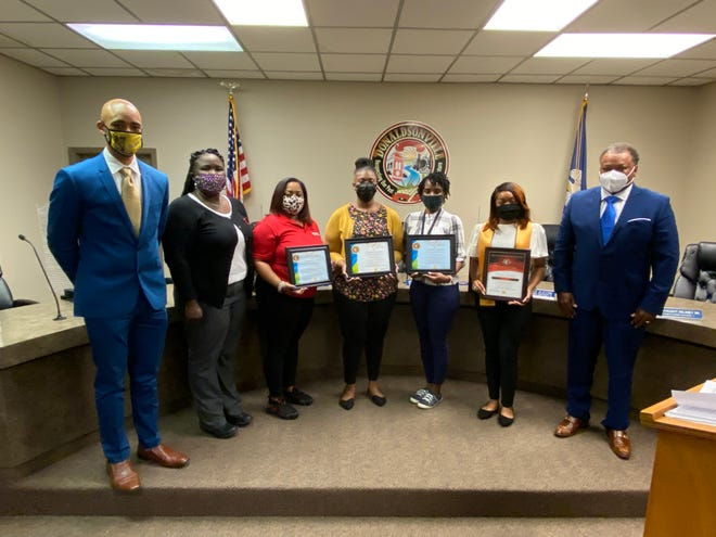 Donaldsonville Mayor Leroy Sullivan welcomed Donaldsonville High School co-valedictorian Shalin Bell and teacher of the year honorees Tanya Mitchell, Breonna Taylor, Jassmine West, and Chelsea Davis.