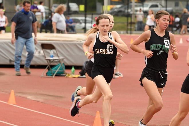 Glencoe's Katie Giles runs during the Class 3A state track and field meet.