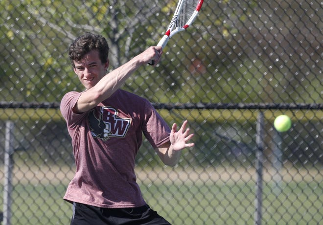 Watterson senior Adam Pavliga teamed with classmate JohnnyDiOrio to reach the Division II district tournament in doubles. The pair also helped the Eagles finish 14-1 overall and 3-1in the CCL.