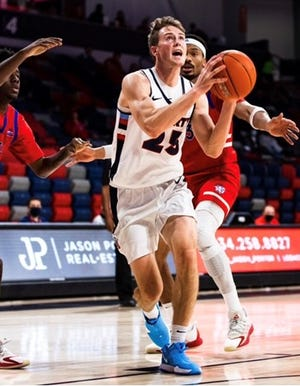 Josh Price, the son of former NBA great Mark Price, is transferring from Liberty to Trevecca.