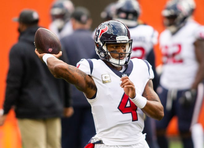 Houston Texans quarterback Deshaun Watson (4) throws the ball during warmups before the game against the Cleveland Browns at FirstEnergy Stadium.