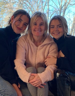 Ally Tiedemann, mom Sue, and younger sister, Catherine