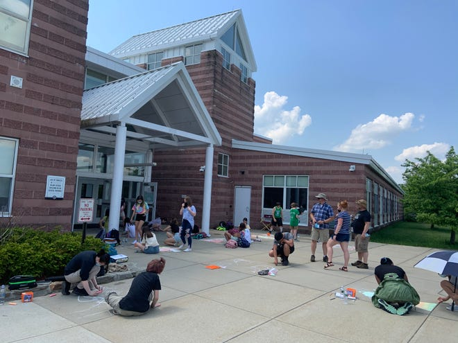 The Overlook Middle School hosted a sidewalk art contest for students on May 26.