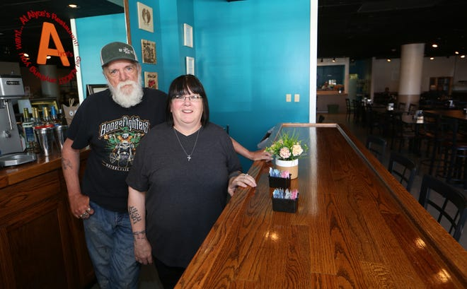 Laurie Hinderliter and her husband Rick have opened Alyce's Restaurant on the ground floor of the Plaza Towers Community apartment building at 18 E. 2nd Ave. The restaurant had been located in South Hutchinson but moved to downtown Hutchinson, opening last week.