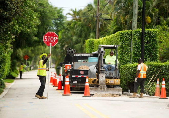 Work on the town's undergrounding project continued May 19 along North Lake Way. The multi-phase project in which the town will bury all overhead power, cable television and phone lines is proceeding on schedule.