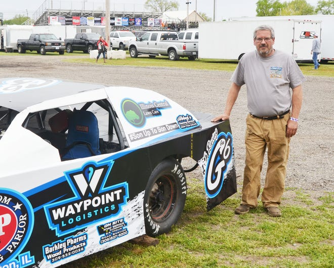 Thad Gee with his CR Towing Sportsman machine.