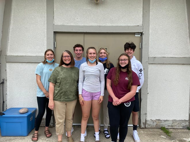Students from Gaylord High School completed a food drive that resulted in more than 3,000 donations to help fight hunger in the community. Pictured are (from left) Ruby Dobrzelewski, Amy Holscher (Key Club Leader), Lucas Ealy, Avery Jarski, Maya Legel, Genesis Wood, and Charlie Holscher.