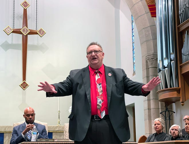 Richard Harris ran the largest Ku Klux Klan north of the Mason-Dixon Line in Indiana during the 1970s. On Tuesday, he was one of the speakers at the Church of the Redeemer in Sarasota.