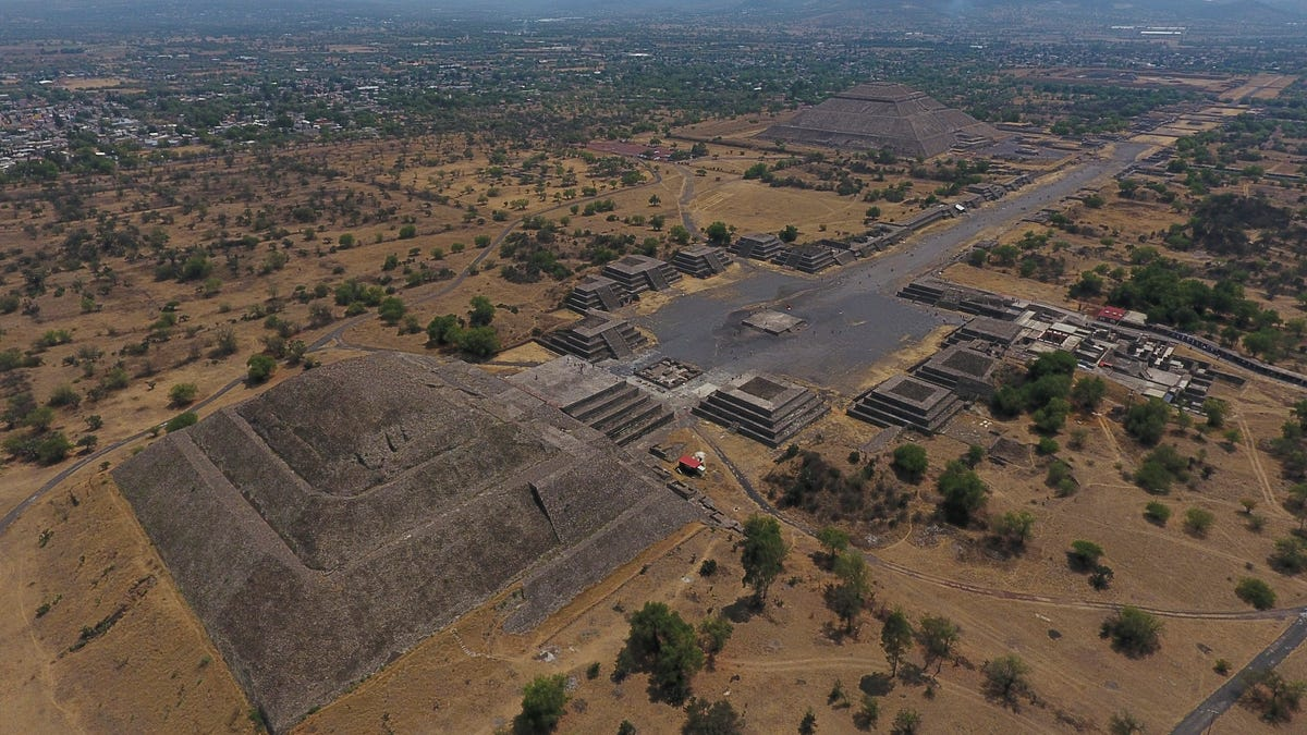 Mexico: Builders bulldozing outskirts of Teotihuacan ruins 3