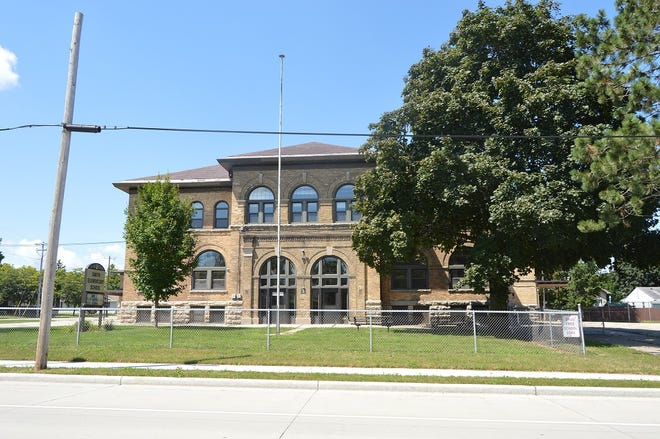 The Oshkosh Common Council approved on Tuesday creating a tax increment financing district for Smith School Lofts, a low-income housing project proposed at the former Smith Elementary School, 1745 Oregon St.