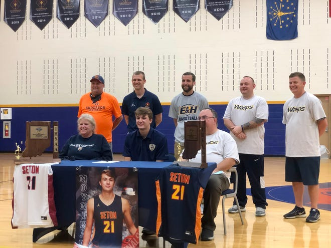 Seton Catholic basketball star forward Jake Moynihan signed his commitment to play at Div. II Emory & Henry College on Tuesday, May 25, 2021.