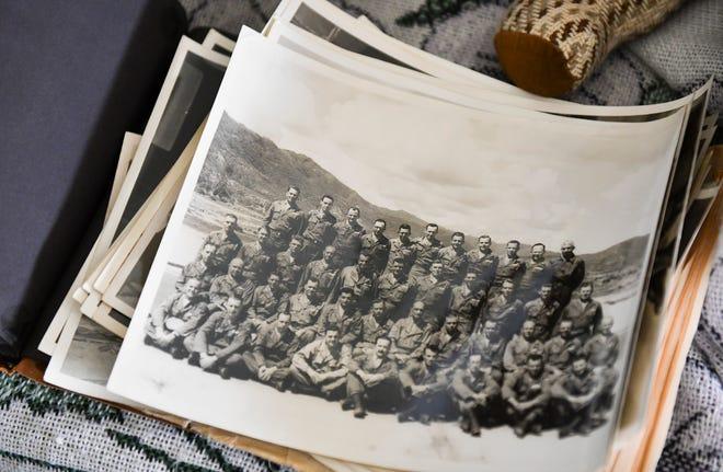 Joe Schirmers는 육군 및 베테랑 그룹에서 보낸 수년간 사진 컬렉션을 보관합니다.