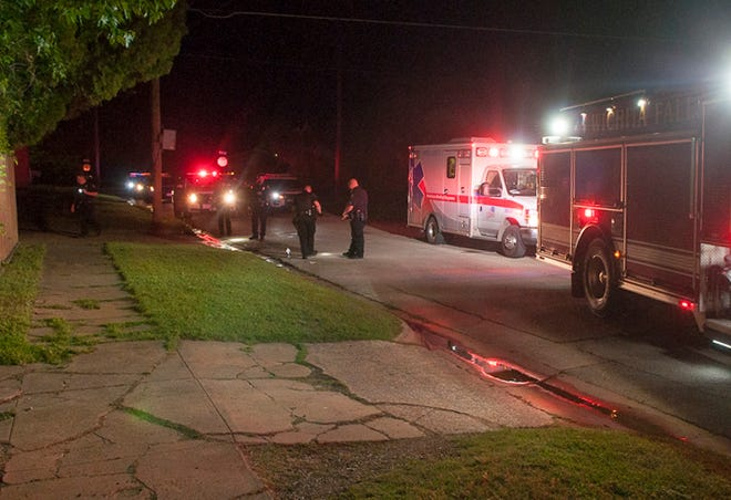 Wichita Falls emergency crews responded to the scene of a shooting Tuesday night on Avenue E.