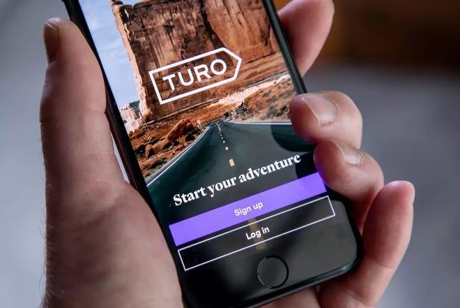 يسمح Turo لأصحاب السيارات بتأجير سياراتهم للغرباء ويعد بأن السعر المعروض هو السعر الفعلي.