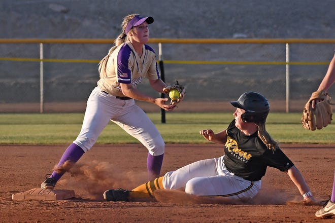 Butler second baseman Emily Adler catches a force out against Zoe Busby of Three Rivers (Mo.) during the Grizzlies' 12-4 second-round victory Wednesday at the NJCAA National Tournament in Yuma, Arizona.