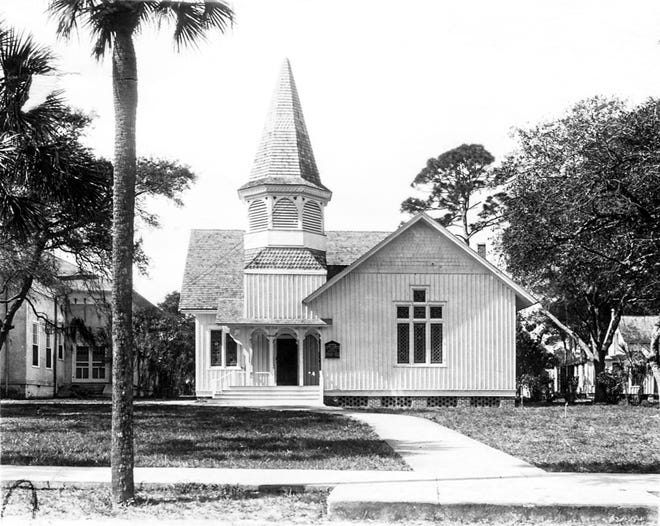 The previous Ormond Union Church at 56 N. Beach St., Ormond Beach. This was the building where John B. Rockefeller regularly attended services in winter months. It was torn down to make way for the current building.
