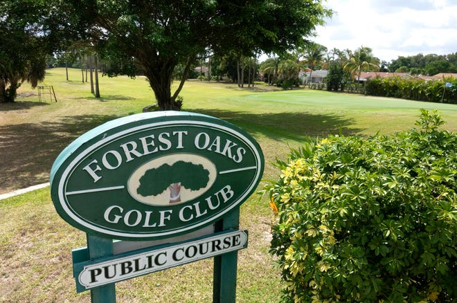 The Forest Oaks golf club west of Lake Worth Beach could be converted to housing by Canada's biggest homebuilder. But neighbors argue that the land can only be used for recreation.