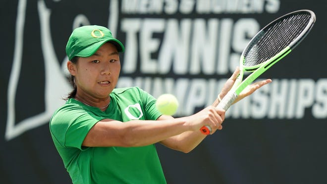 Oregon's Janice Tjen lost in the semifinals of the women's NCAA Singles Championships on Thursday, ending her historic freshman season.