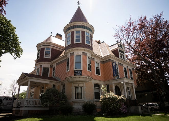 The Worcester Railers are exploring the possibility of renovating an historic mansion at 65 Cedar St. to serve as player housing.