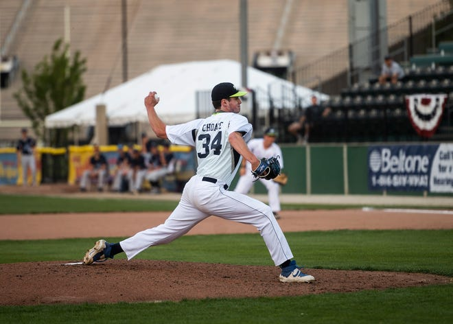Worcester Bravehearts pitcher Jack Choate.