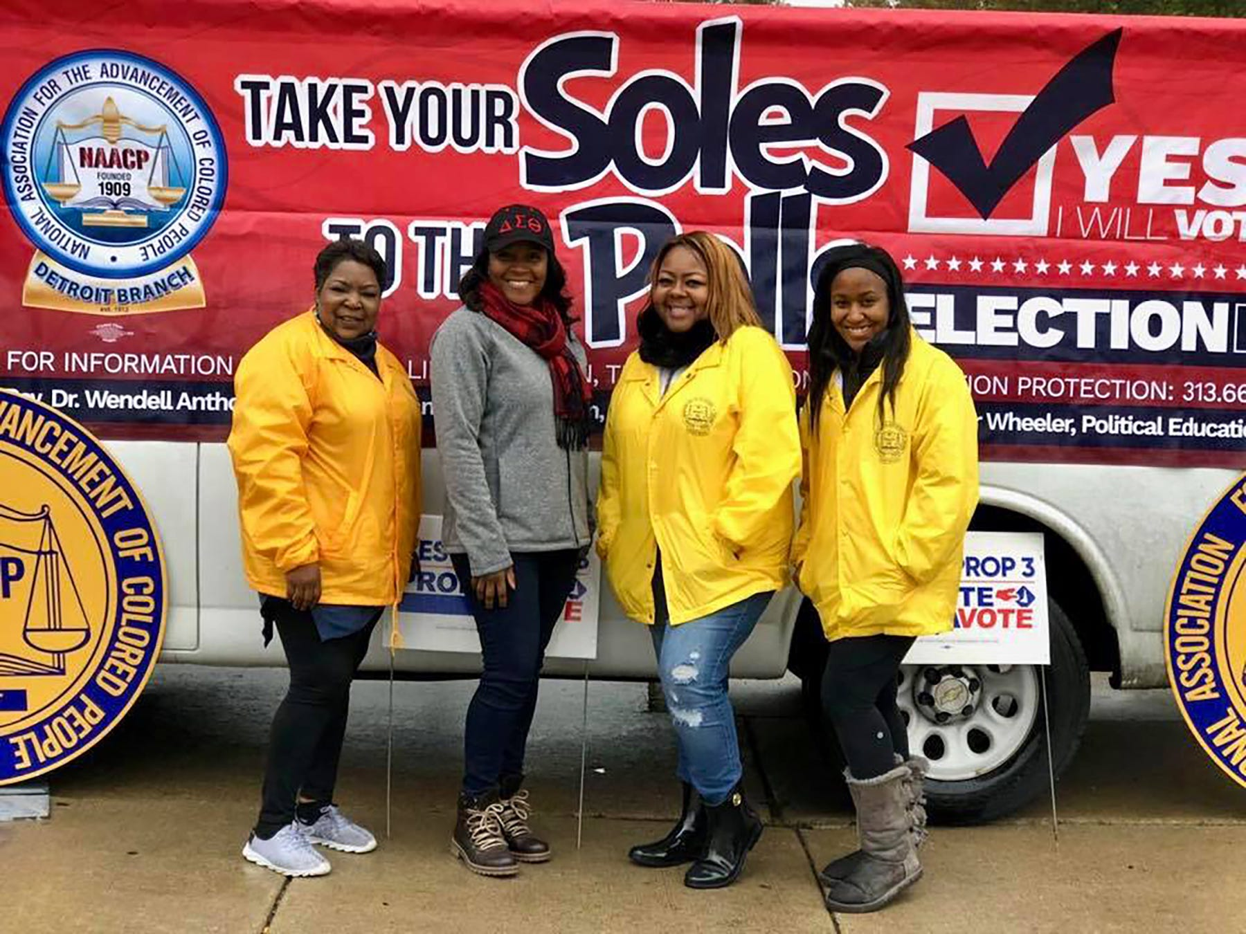 Using community events to encourage Detroit residents to exercise their right to vote, as well as introducing girls in Detroit to the political system are examples of outreach priorities for area members of The Links, Incorporated.