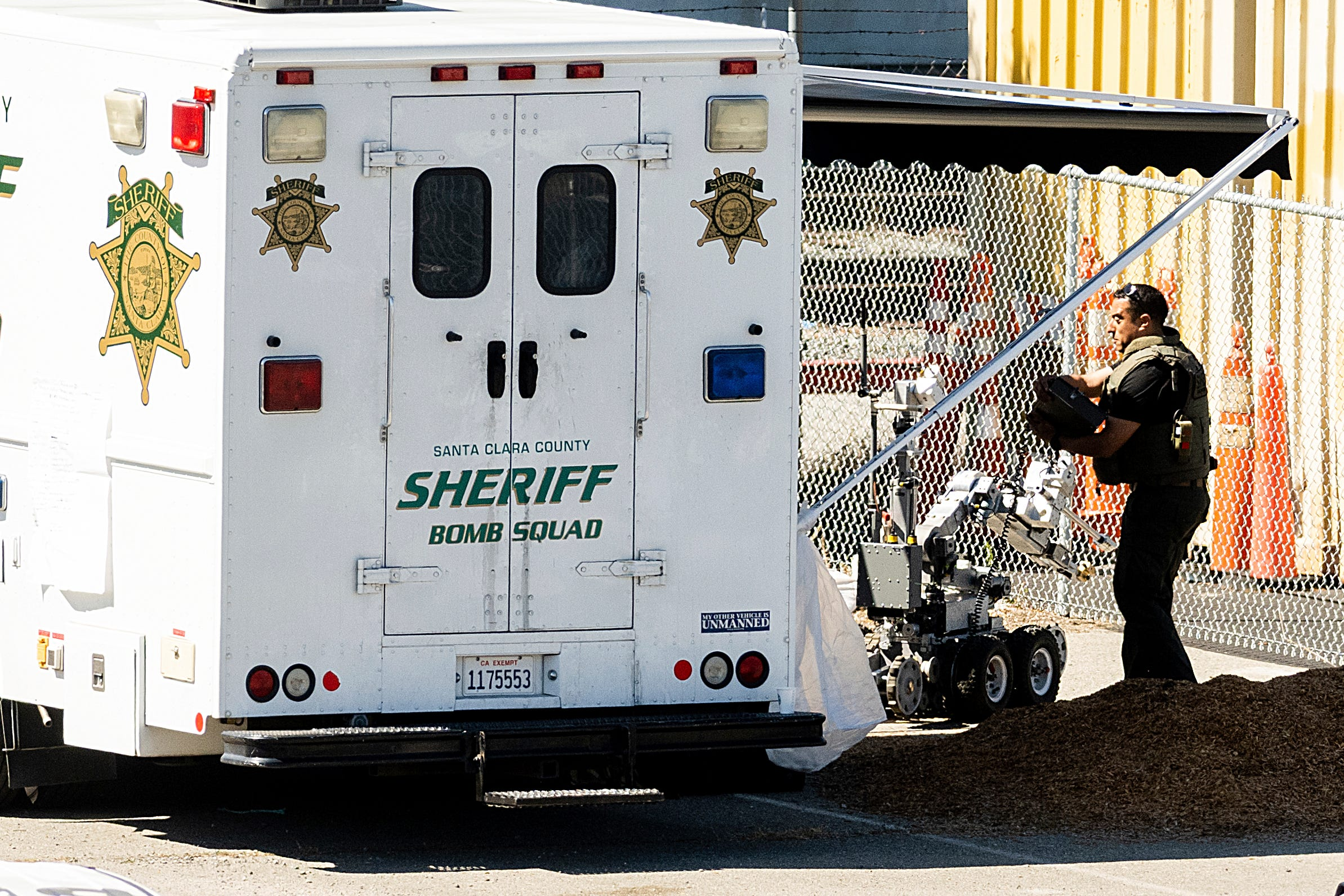 Sheriff: Gunman appeared to target some victims at rail yard 2