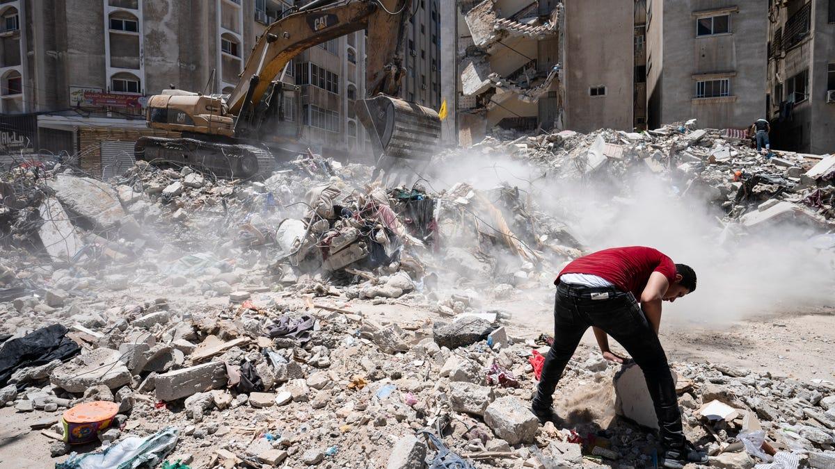 UN rights chief: Israeli strikes in Gaza may be war crimes 3