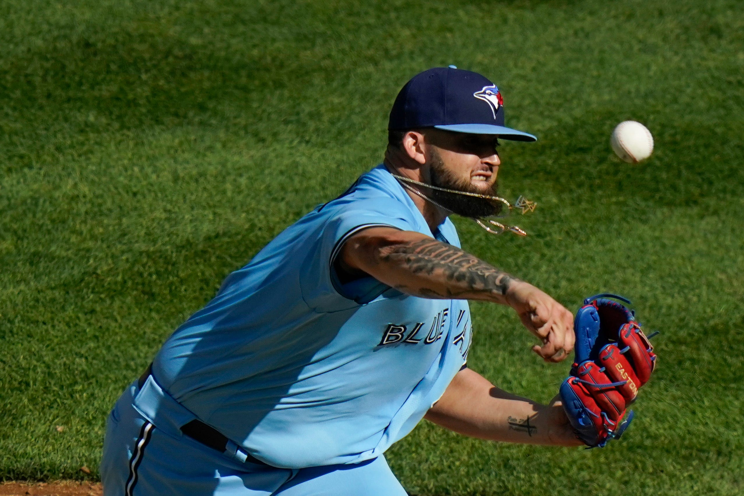 Blue Jays pitcher Alek Manoah makes MLB debut as mom is overcome with emotion