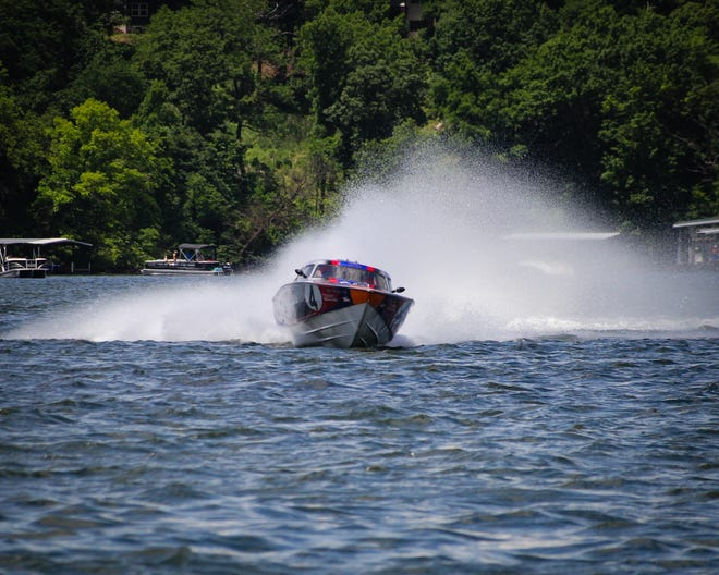 Lake Race boat.