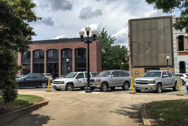Vacated First Citizen Bank at 102 N. Main St., next to former Community Bank near Carolina Wren Park Friday, May 28, 2021. Anderson School District Five has purchased both buildings.