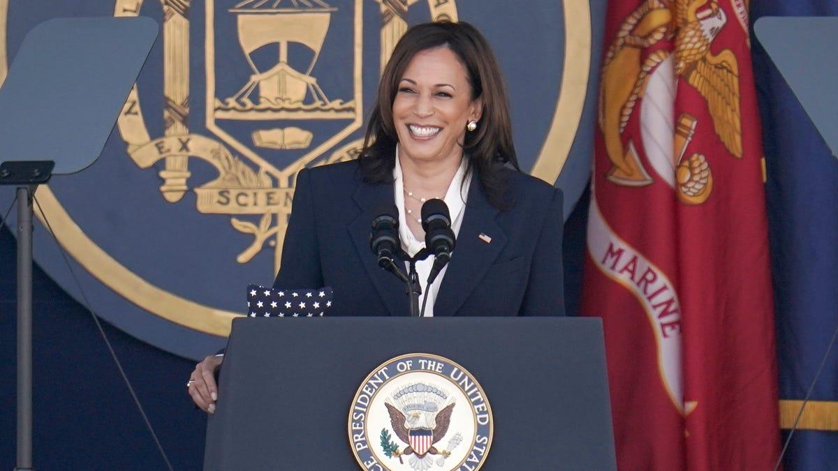 Harris cites challenges of 'fragile' world in Navy speech 3