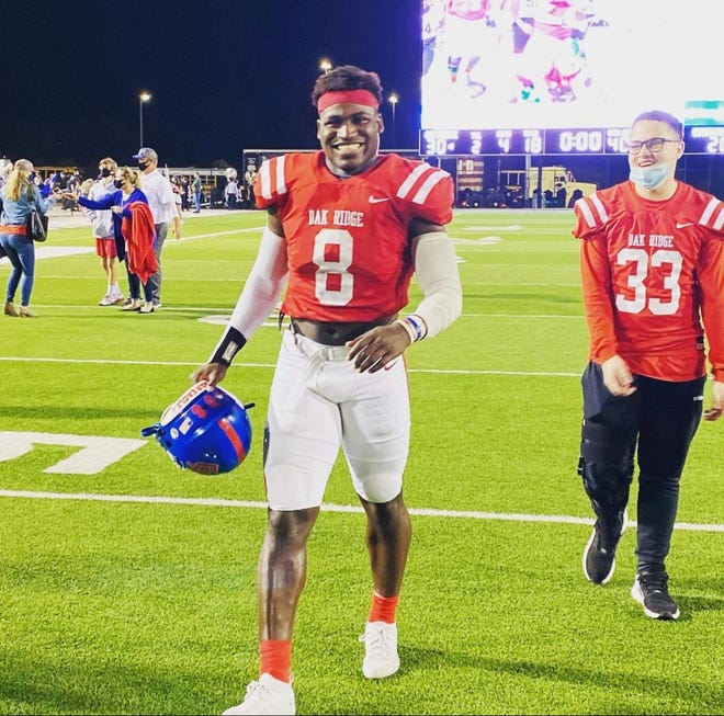 Incoming Ragin' Cajuns freshman linebacker KC Ossai (8) played at Oak Ridge High in Conroe, Texas.