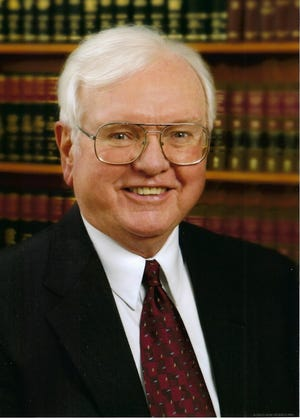 Bill Chapman, who died May 19, 2021, at the age of 90, served the Lake Country area as a municipal attorney for over 60 years.