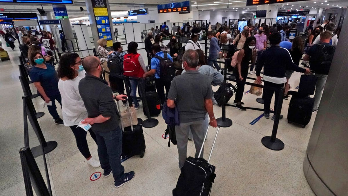 Travel numbers climb as Americans hit the road for holiday 3